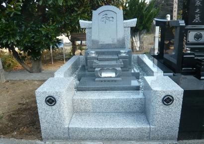 石の使用量が多い墓石